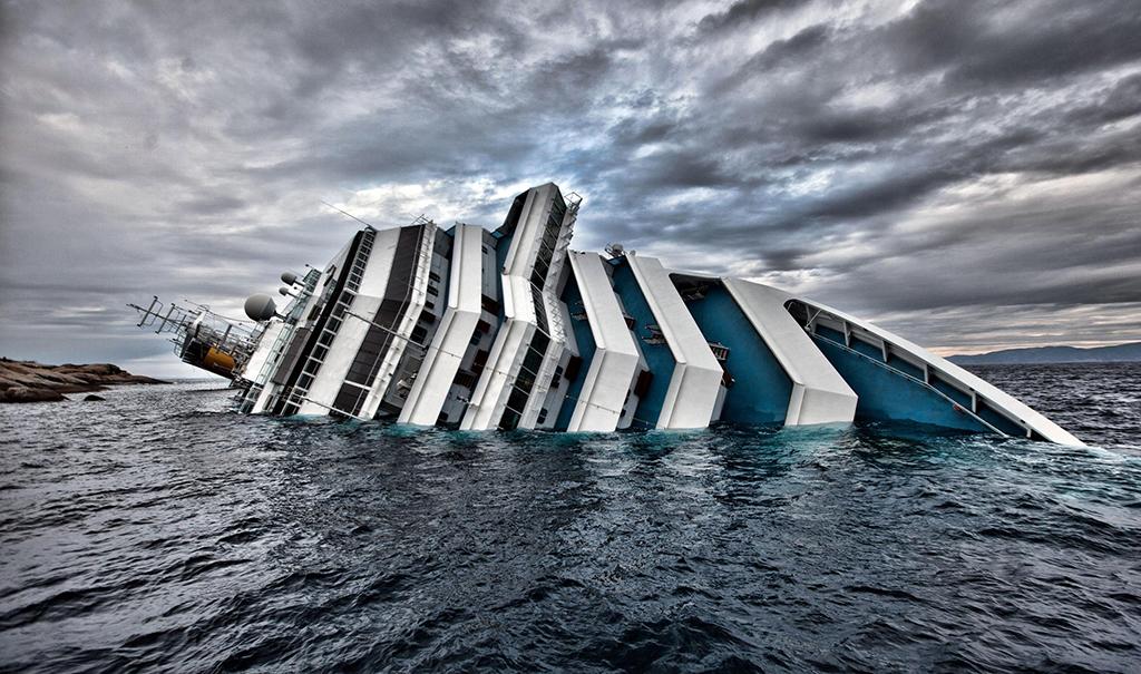 indian-mirror-costa-concordia-cruise-liner-sunk