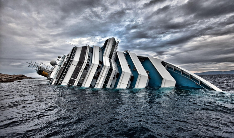 indian-mirror-costa-concordia-cruise-liner-sunk