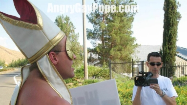 angry_gay_pope_protesting_gold